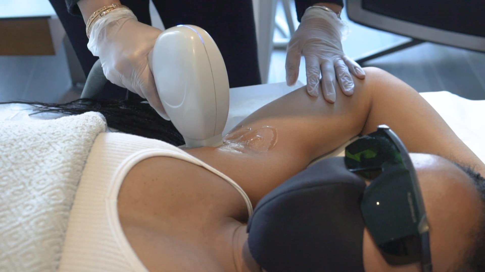"""VIDEO: """"Faster Than Shaving And Waxing"""" Laser Hair Removal"""